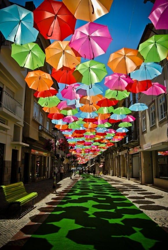 Girl_rain_sadness_umbrella_outdoors-f5261232e55d024ed92f1656e71c4e7a_h_large - userpics - картинки photoshareru