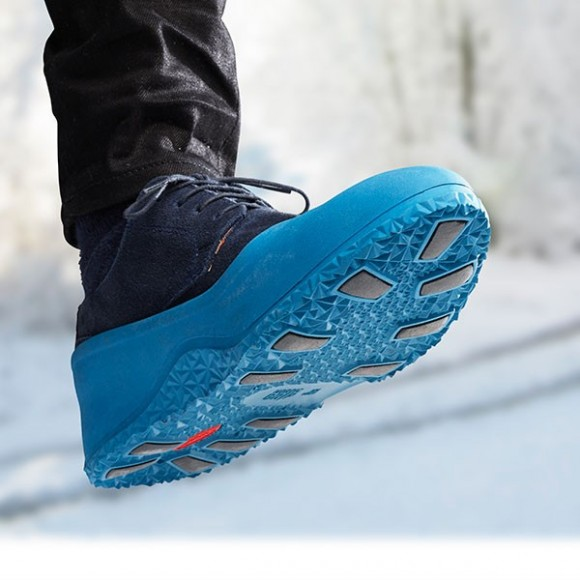 Nordic Grip Galoshes: Easy Slip-On Shoes for Icy