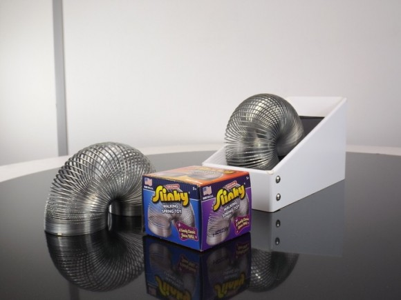 Post image for Never-Ending Slinky Machine