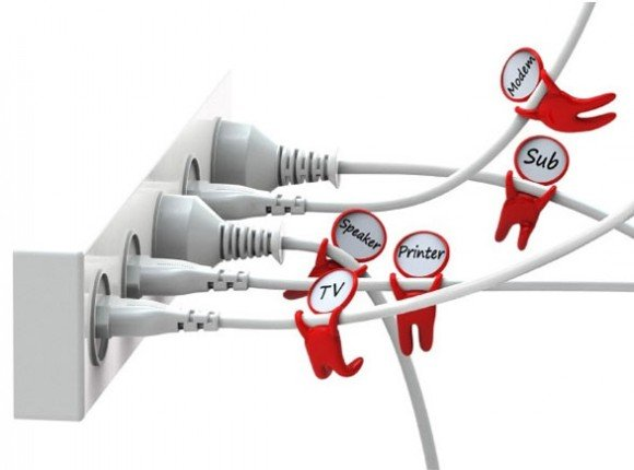Post image for Organize Cables Easily with the Cable Label Set