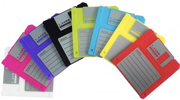 هل منكم أحد يتذكر هذا ،، Retro-silicone-floppy-disk-drink-coaster-e1449553080422