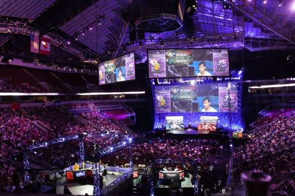 Post image for How Geeks and Competitive Gaming are Taking Over Sport