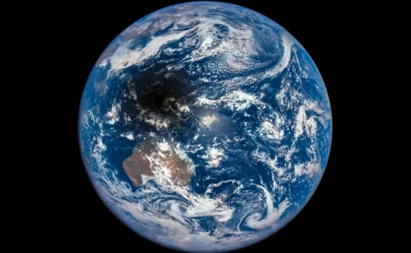 Post image for DSCOVR:EPIC – Earth Polychromatic Imaging Camera