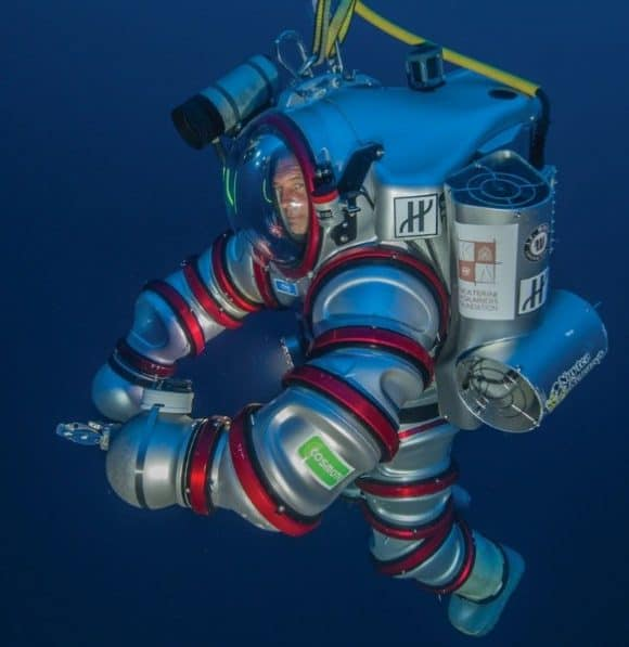 Post image for Nuytco Research's Exosuit – Self Propelled Aquanaut Suit